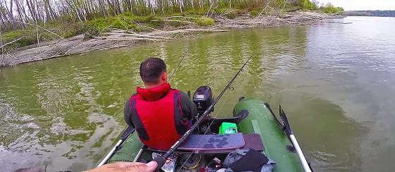 Как ЛОВИТЬ рыбу в ломовом коряжнике