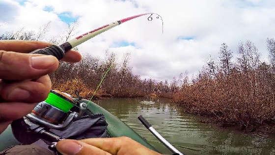 Рыбалка на ЩУКУ со СПИННИНГОМ по МАЛЫМ РЕКАМ Калужской области