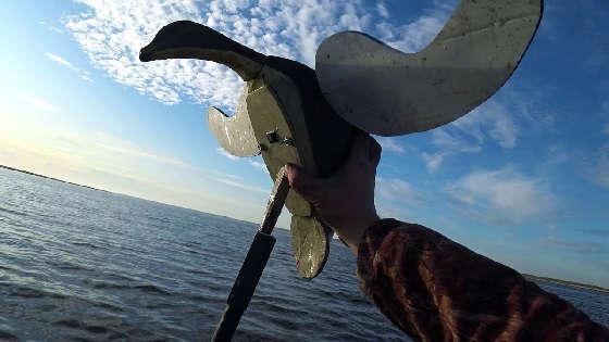 Охота на уток на болоте с махокрылами и чучелами