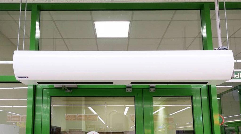 Тепловая завеса защитит помещение от проникновения в него холодного воздуха