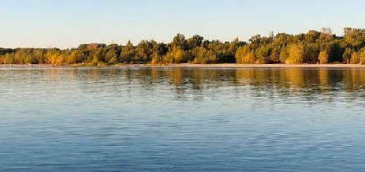 Рыбалка и отдых на реке в конце сентября