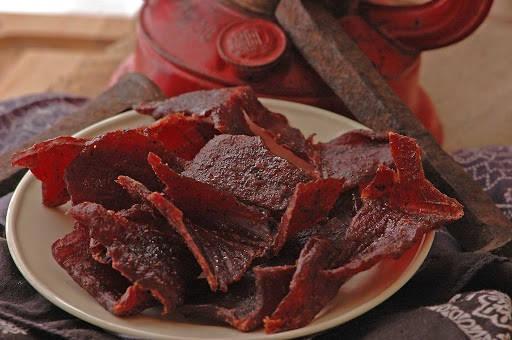 Как сохранить в тайге летом мясо