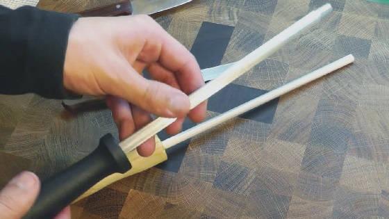Как править нож мусатом
