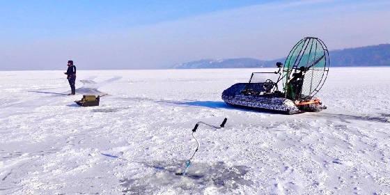 Рыбалка на аэролодке зимой