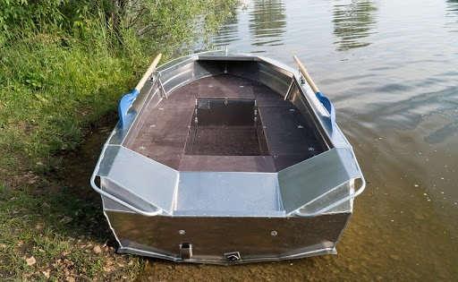 Лодка ТАКТИКА 390Р