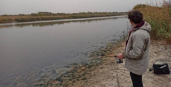 Ловля в обмелевшей реке