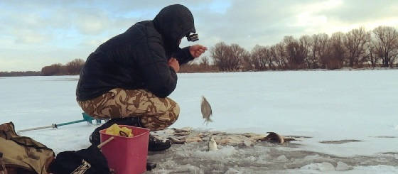 Зимняя рыбалка со сломанной пешней
