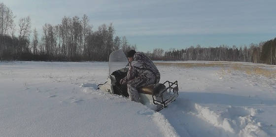 Буран по глубокому снегу