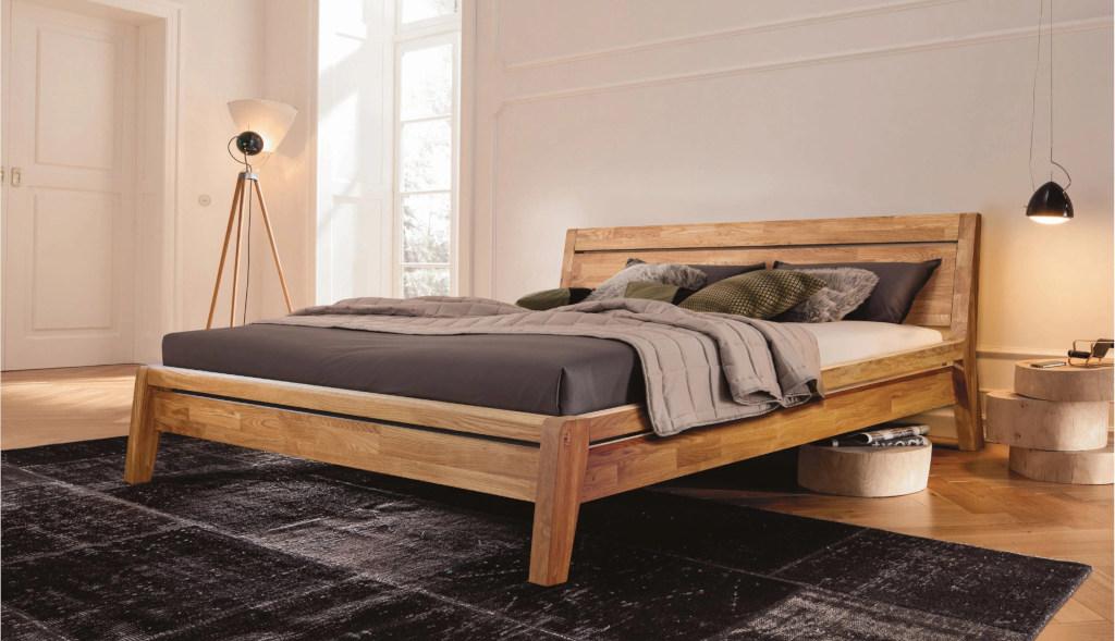 купить деревянную кровать из массива
