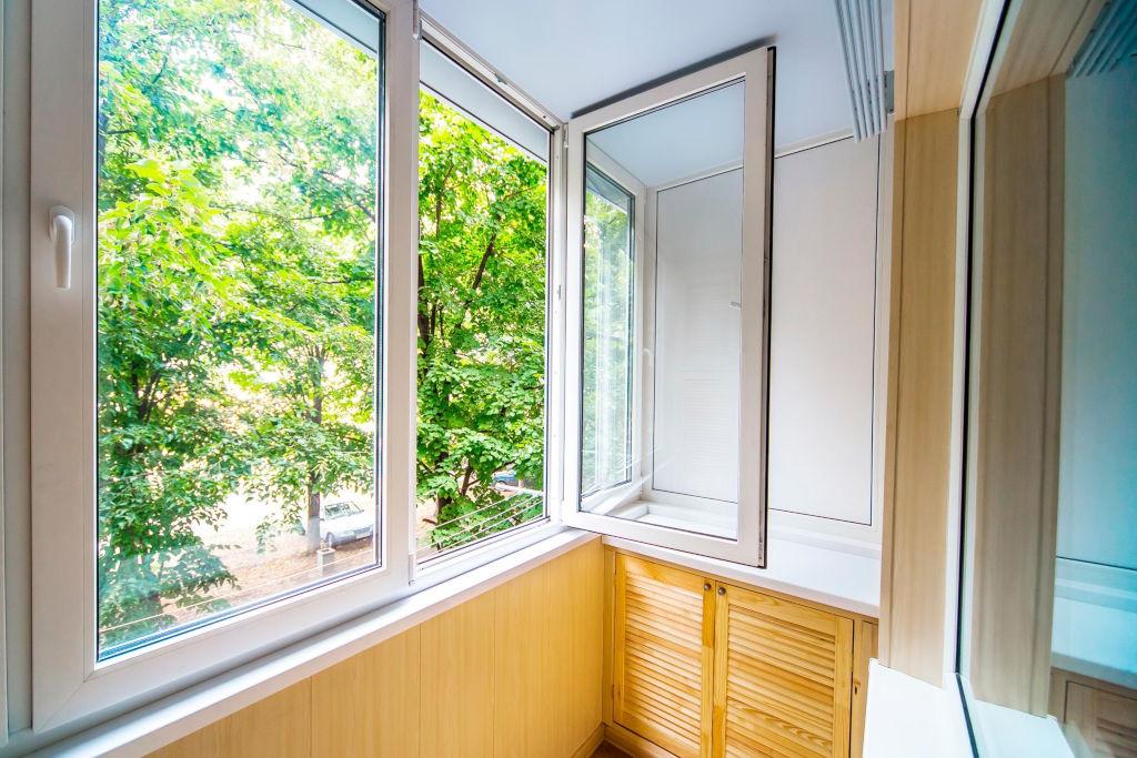 остекление балконов и лоджий в Сургуте