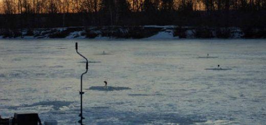 Весенняя рыбалка по последнему льду на водохранилище