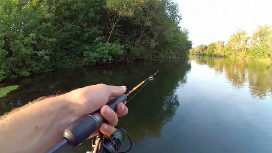Рыбалка на спиннинг с лодки в середине лета
