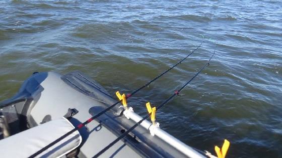 Рыбалка в шторм: лодочный фидер