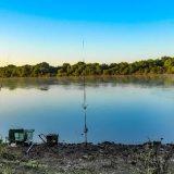 Рыбалка на реке на сало и пенопласт